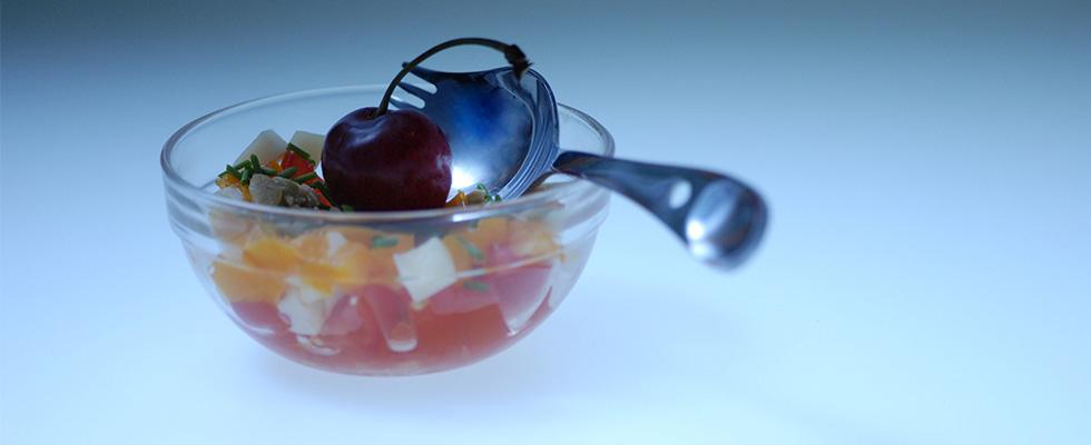 GEORGETTE Aventure brillante, dégustation d'une salade de fruit